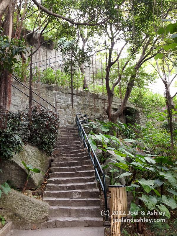 Climb to Fortaleza do Monte